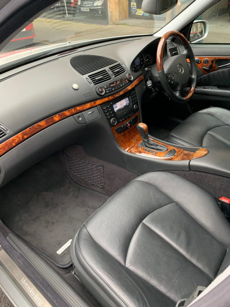 <br /> <b>Notice</b>:  Undefined index: alt in <b>/var/www/vhosts/smithandhunter.com/httpdocs/wp-content/themes/smithhunter/single-porsche_for_sale.php</b> on line <b>19</b><br />